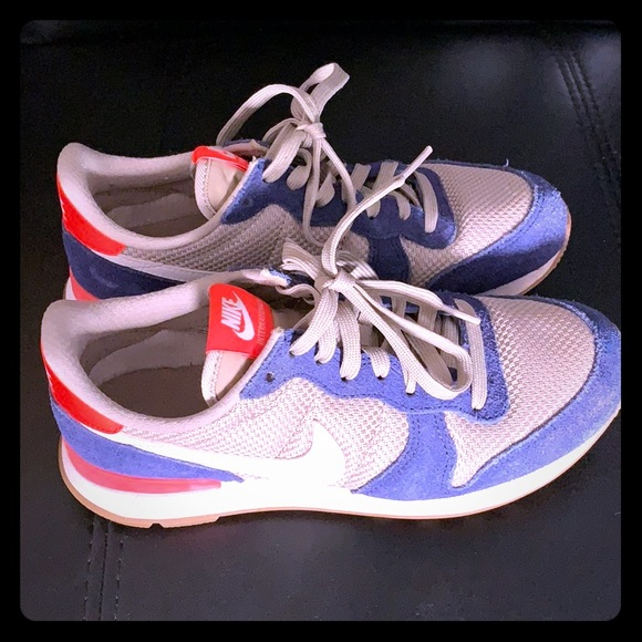 size 40 7b235 1e14f NIKE INTERNATIONALIST Loyal Blue Womens Sneakers.  M5c76ea97035cf1d7356dfded